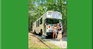skoolie camper cani scuolabus cressi dog